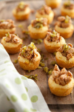 bbq chicken in cornbread cups