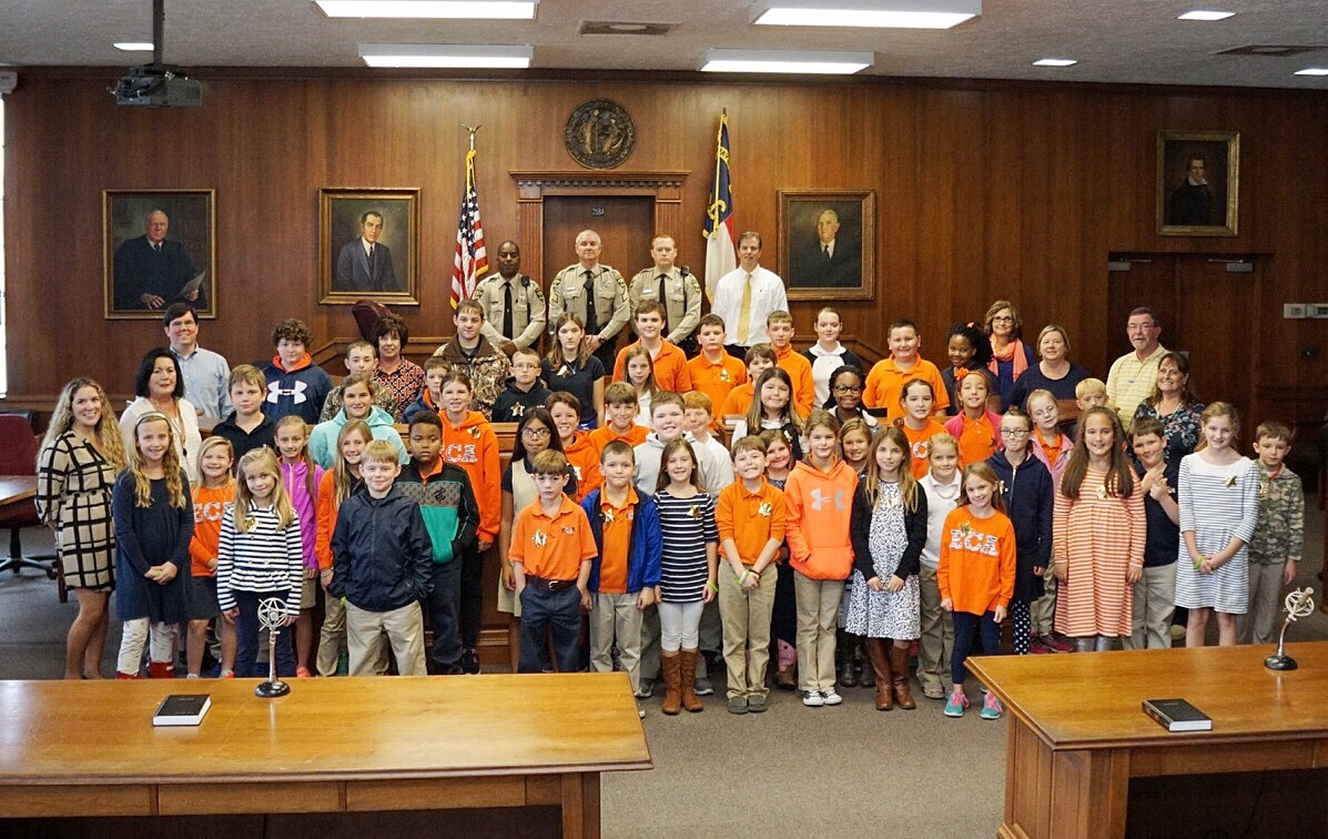 Elizabethtown Christian Academy Touring Bladen County Court House