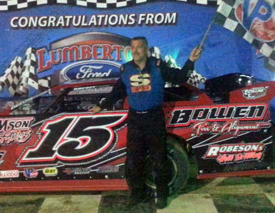 Late Model winner Dean Bowen