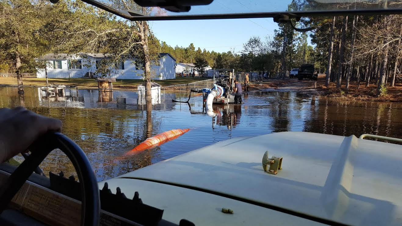 flood-blocked-white-oak-community-getting-help-7