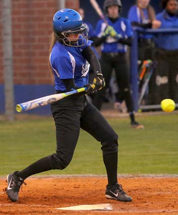 East_Bladen_West_Columbus_softball_01