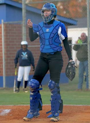 East_Bladen_West_Columbus_softball_02,jpg