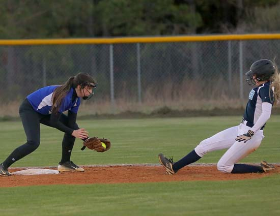 East_Bladen_West_Columbus_softball_09