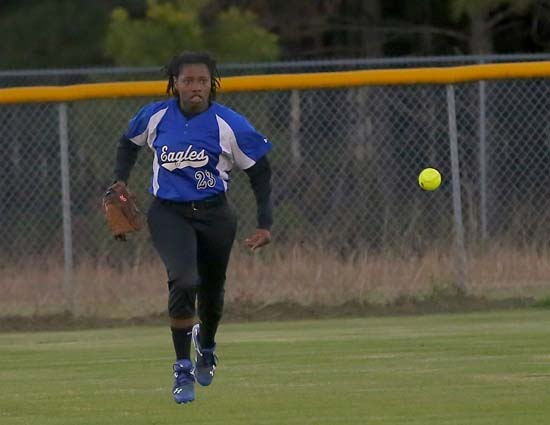 East_Bladen_West_Columbus_softball_10