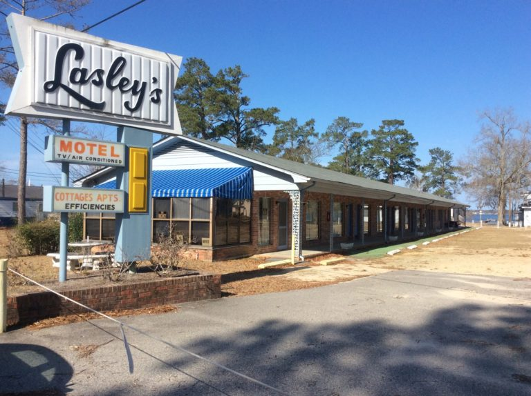 Lasleys Motel White Lake