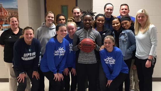 Ja'Tyra Moore-Peterson Scores 1,000th Point