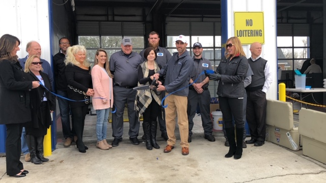 Bladen Express Lube Ribbon Cutting 4