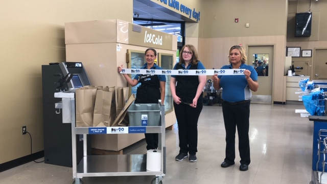 Food Lion to Go Ribbon Cutting 5