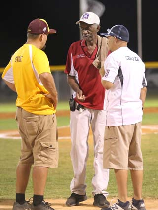 Elizabethtown_Lumberton_Coach_Pitch_01