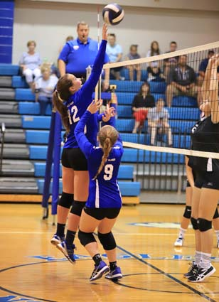 East_Bladen_JV_South_Columbus_volleyball_05