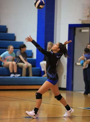 East_Bladen_South_Columbus_volleyball_01