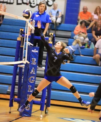 East_Bladen_South_Columbus_volleyball_08