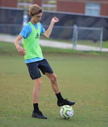 East_Bladen_soccer_practice_04