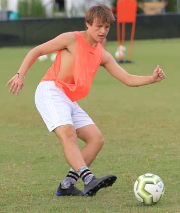 East_Bladen_soccer_practice_06