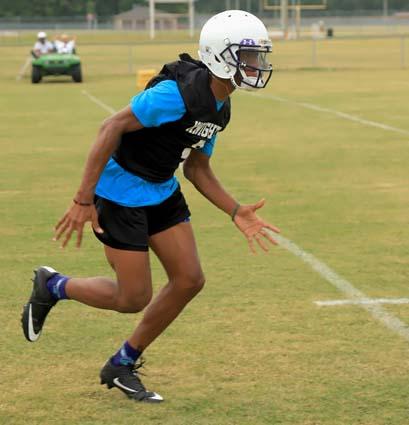West_Bladen_football_practice_03