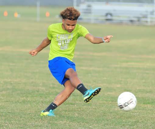 West_Bladen_soccer_practice_03
