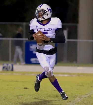 East_Bladen_West_Bladen_football_04
