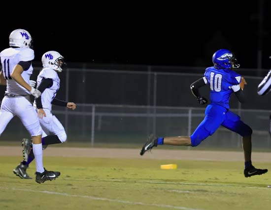 East_Bladen_West_Bladen_football_06