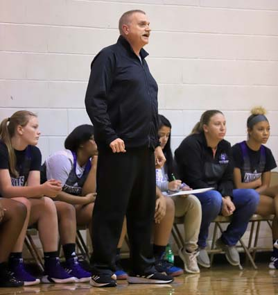 East_Bladen_basketball_scrimmage_02