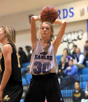East_Bladen_basketball_scrimmage_04