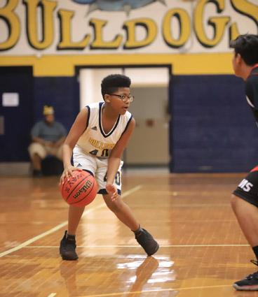 Tar_Heel_Bladenboro_basketball_04
