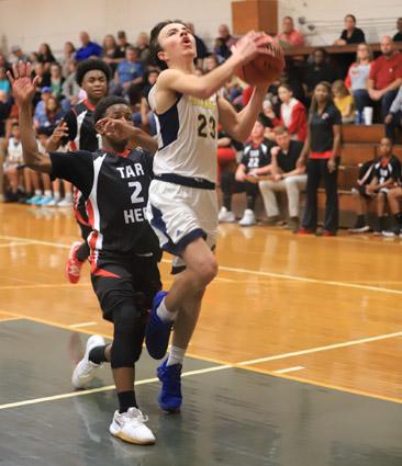 Tar_Heel_Bladenboro_basketball_07