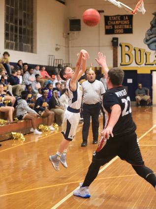 Tar_Heel_Bladenboro_basketball_08