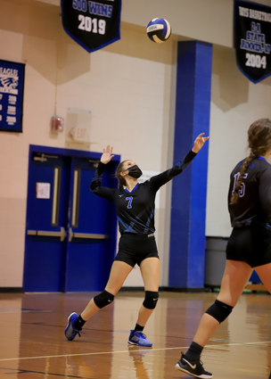 East_Bladen_volleyball_03