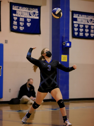 East_Bladen_volleyball_06