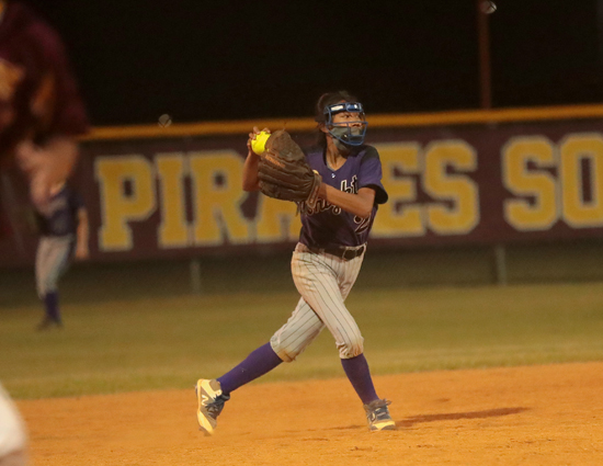 West_Bladen_Lumberton_softball_01