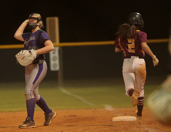 West_Bladen_Lumberton_softball_02