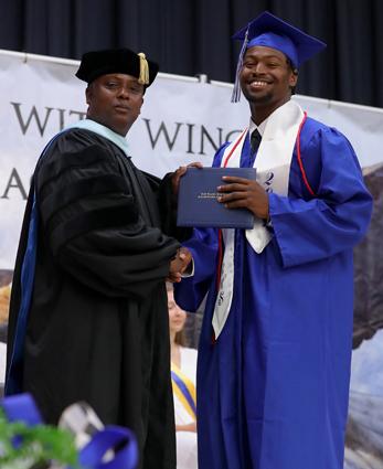 East_Bladen_graduation_10