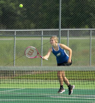 Three_Rivers_girls_tennis_01