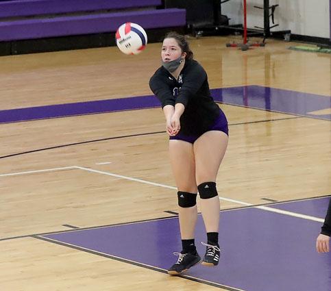 West_Bladen_Lakewood_volleyball_05